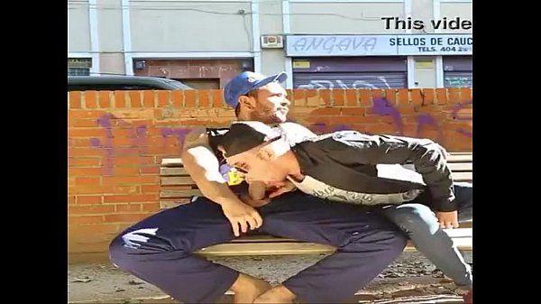 mamando o pedreiro na rua