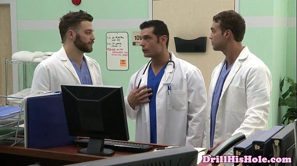 Gaysex bottom cums during threeway funHD