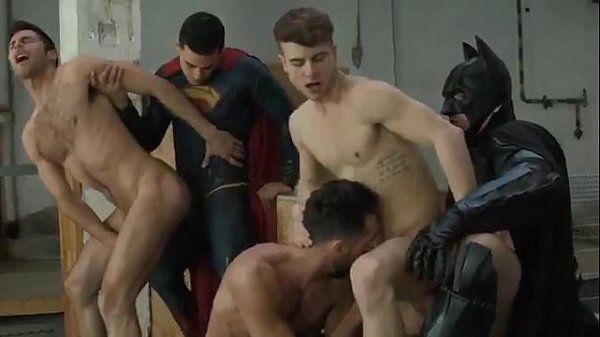 Trailer do filme Batman vs Superman Gay XXX Parody