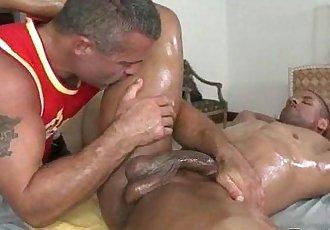 Rubgay Muscule Man Massage