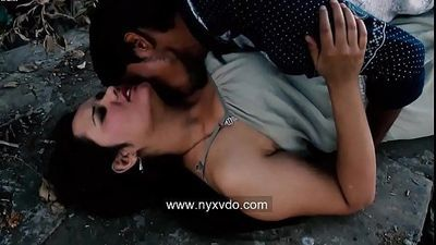 Jungle Mei Aunty Ko Le Liya Desi Indian - 12 min