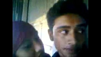 Desi hindu boyfriend fucks a muslim girlfriend - 17 min