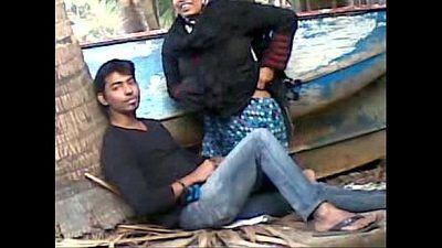 Desi couple caught fucking outdoor - 3 min