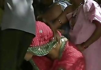 Ramya sri boobs popout from telugu movie o malli 13 sec HD