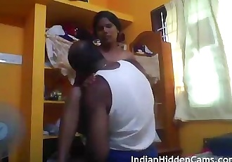 Tamil Sex Videos Married Indian Couple Homemade Porn MMS