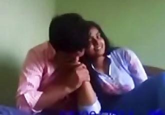 Indian college girl porn FREE INDIAN PORN: https://freecam18.wixsite.com/cam18 - 32 min