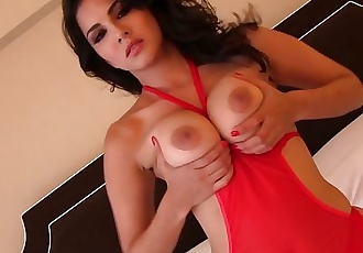 SunnyLeone Sunny Leones secret beauty is MASTURBATION!
