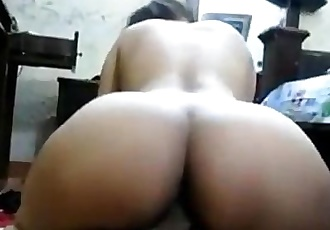 SEXY INDIAN GIRL SECRETLY FUCKED AT HOSTEL