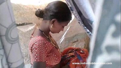 Stunning Indian Beauty Nude Outdoor Shower - IndianHiddenCams.com - 54 sec HD