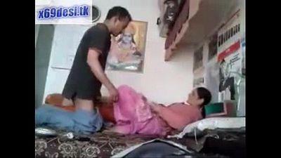 Desi Babhi fucked quickly - 2 min