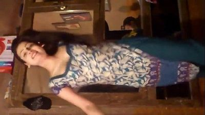 Pakistani Pathan Girl Dance on Beautiful PUSHTO Song Homemade Video.MP4 - 1 min 39 sec