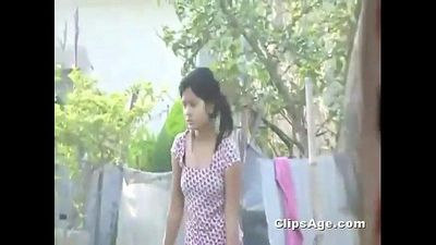 Desi Indian girl boobs outdoor spy cam neighbour recorded - 46 sec