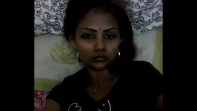 Tamil girl fingering pussy - 20 sec