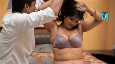 Large Sexy Boobs of Hot Bhabhi Coming out of Bra Mallu Aunty - 4 min