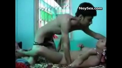 Sex with a small cute college desi girl - 3 min