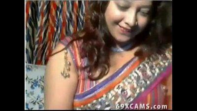 Horny Indian Desi Aunt Flashes On Webcam Show - 8 min