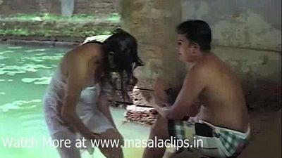 Tamil Aunty Outdoor Bath and Enjoyed by Young Guy Video - 3 min