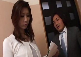 Horny businessman seduces sexy cougar Nanako Yoshioka in her house - 5 min
