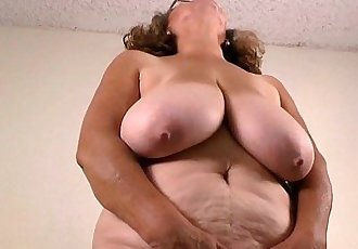 Latina milfs Rosaly and Brenda need to get offHD