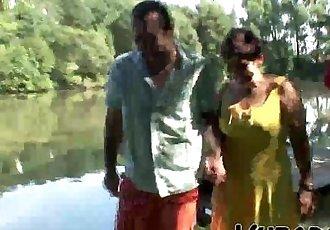 MATURE COUPLE HAVING OUTDOOR FUN !! - 6 min HD