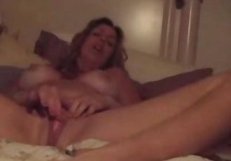 Horny Mature Mom masturbate and have an explosive orgasm! - 7 min