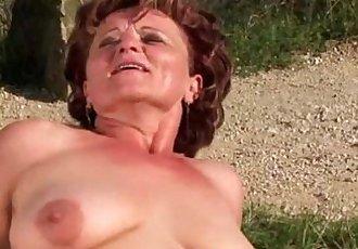 Granny hottie loves outdoor fucking - 7 min