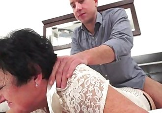Mature Julienne fucked by a young guyHD