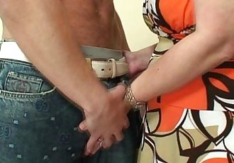 He drills her shaved old snatch - 6 min